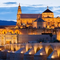 Enjoy Andalusia in May, visit the courtyards of Cordoba
